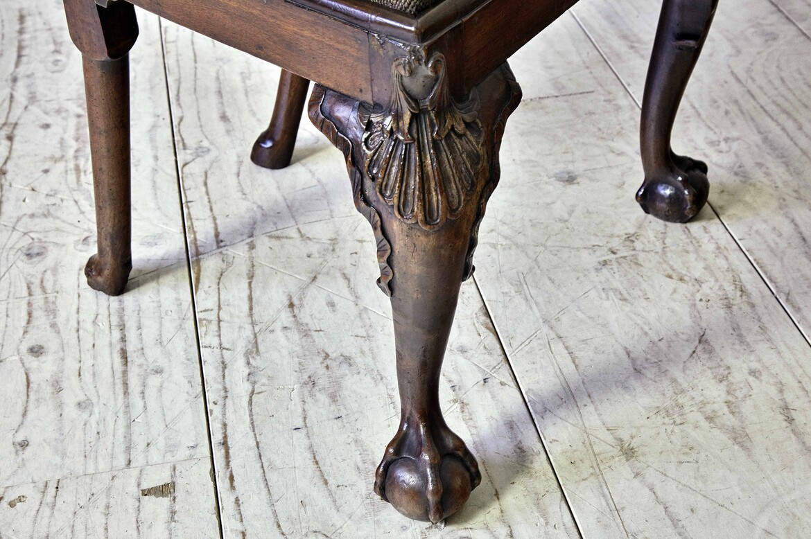 achair372 18th century walnut chair ball and claw